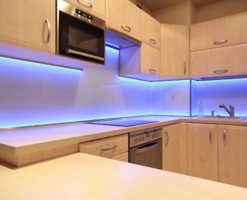 poner luz led en cocina en toledo